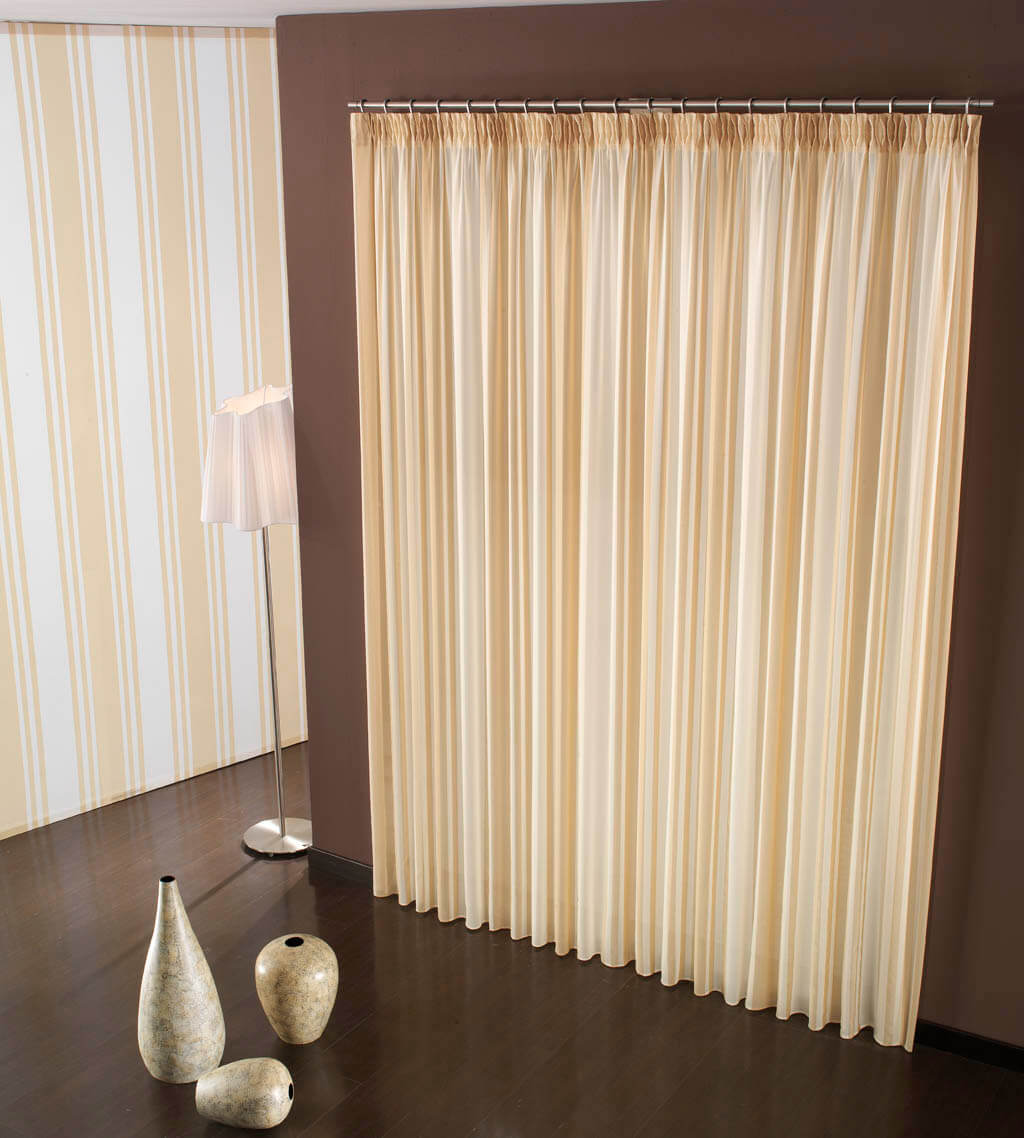 Tende classiche tende per interni ed esterni for Tende casa classica